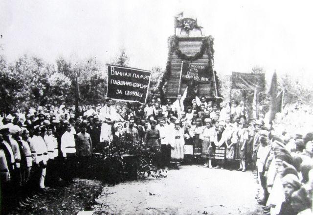 памятник шевченку в воронеже 1