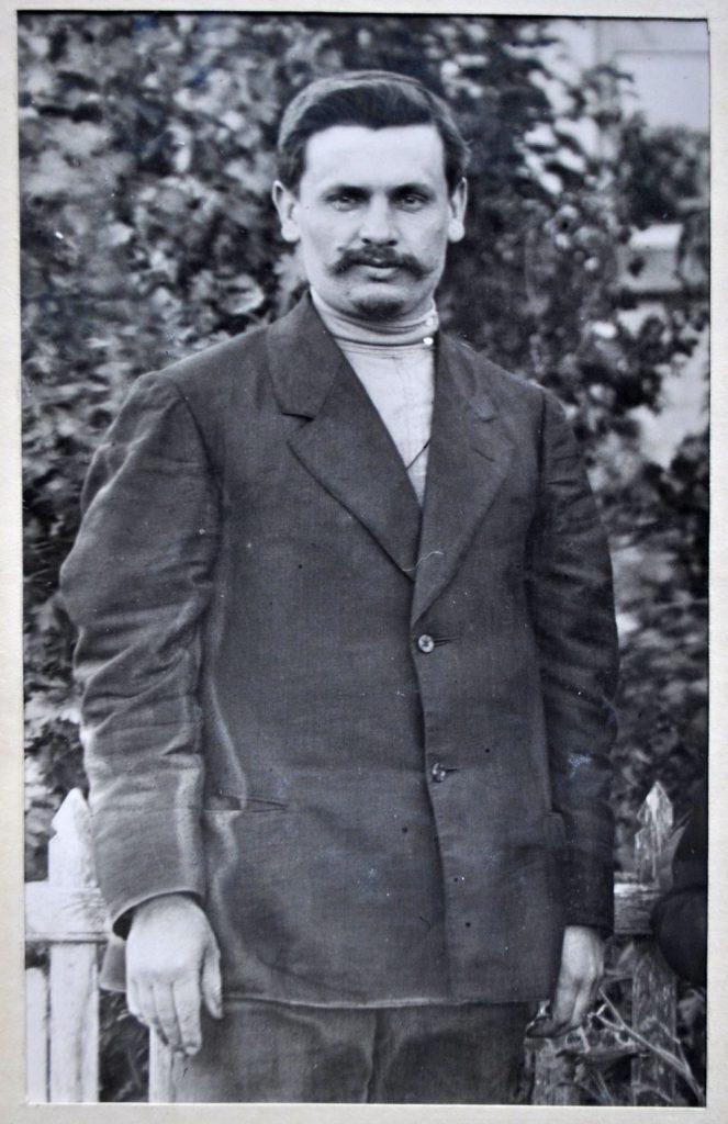 1910 р. фото мяло. з архіву а.вюника 663x1024