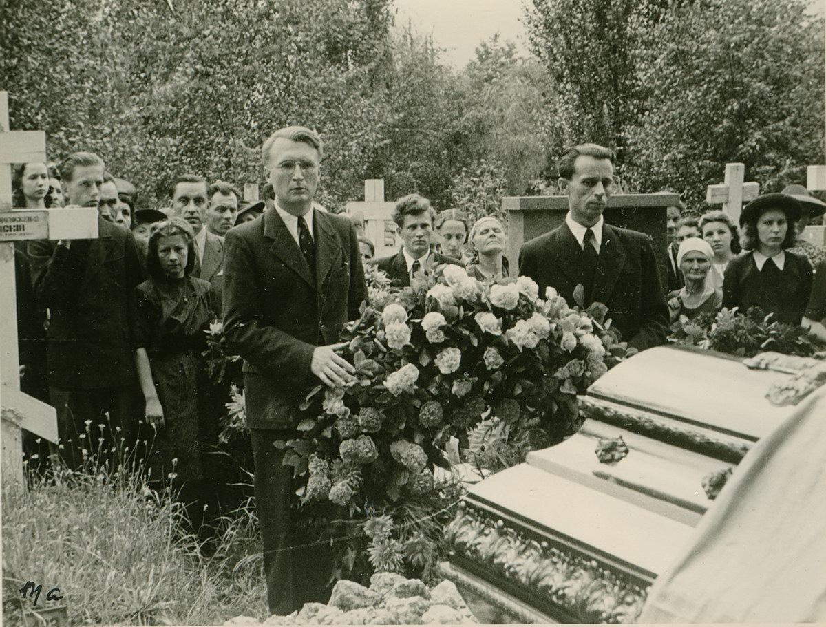 O Oles_funeral_2